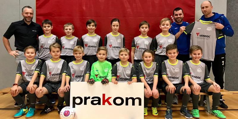 """Neue Trikots für """"Fußball-Kids"""""""